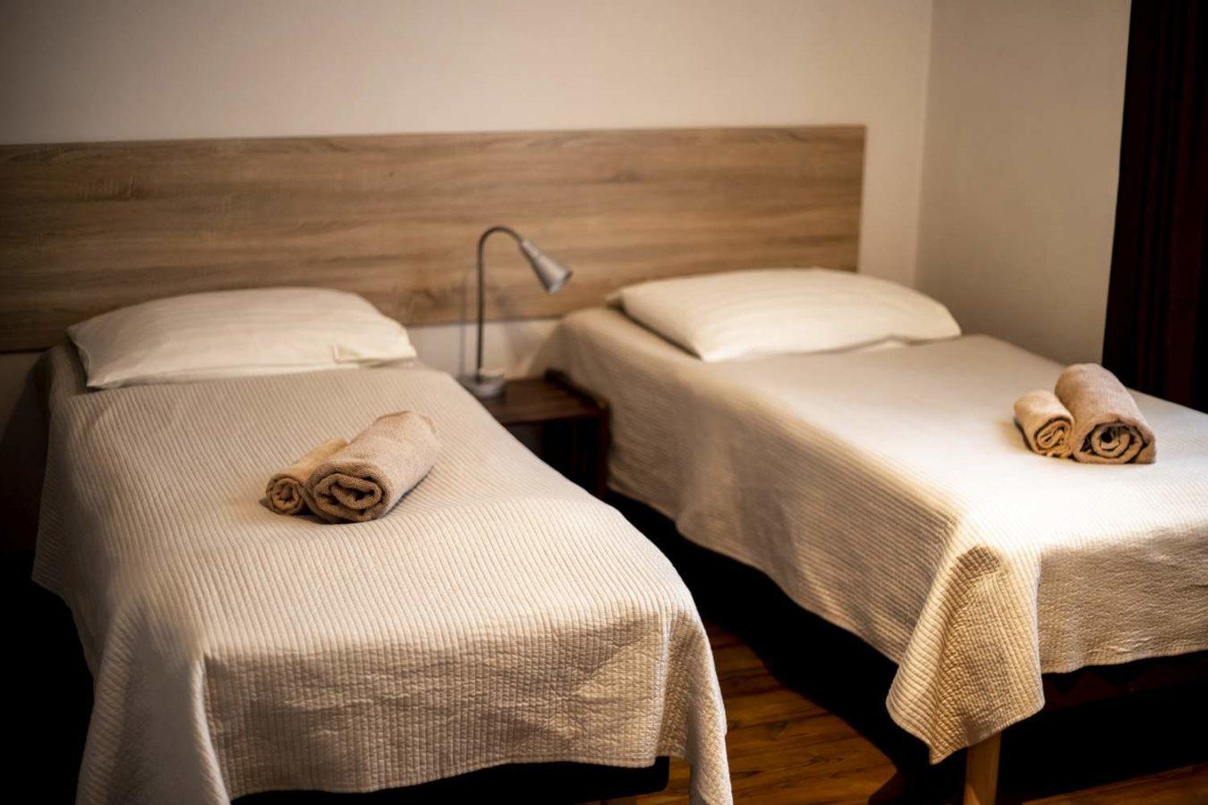 dwa łóżka pojedyncze huzar gorzów